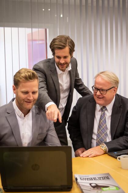 Från vänster: Joel Alexandersson (VD Rehobot Rotex AB), Filip Redéen och Kjell-Roger Holmström, Obadja AB.